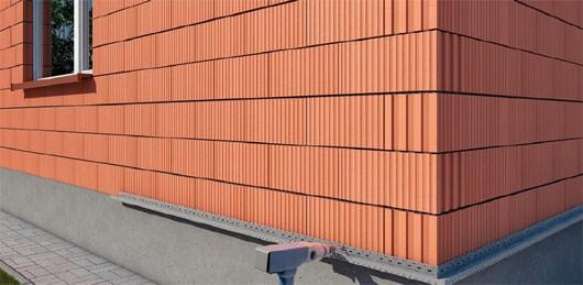 05-ureplenie-fasada-montazh-startovoy-planki-min