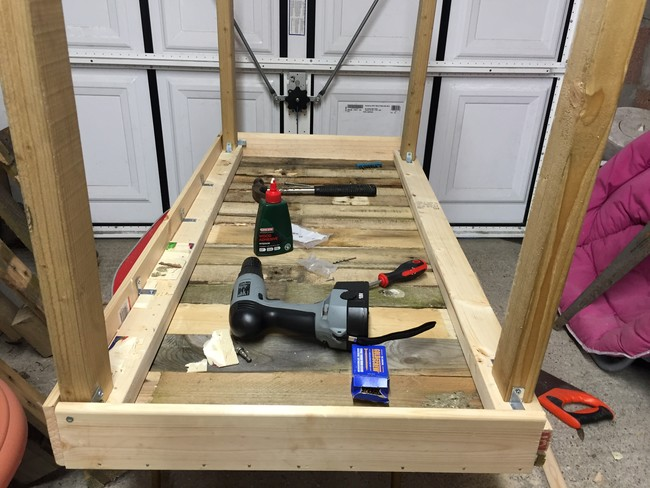 Computer-table-from-pallet-08