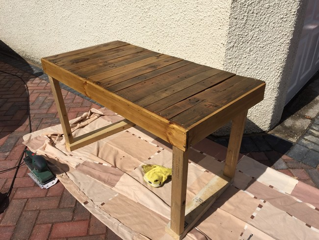Computer-table-from-pallet-11