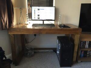Зроби сам: комп'ютерний стіл з піддонів