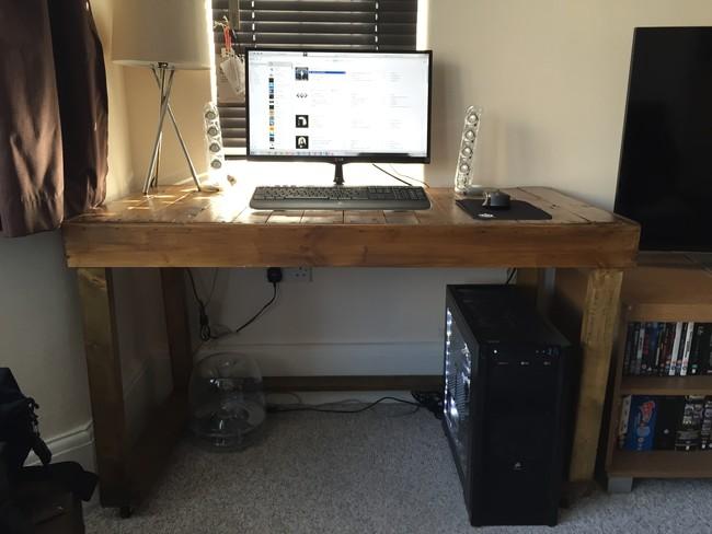 Сделай сам: компьютерный стол из поддонов
