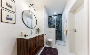 Фарба замість плитки. Чи підійде вона для стін ванної кімнати?