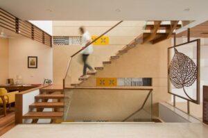 Популярные конструкции лестниц для дома