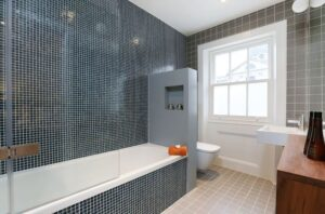 11 рішень як відокремити Туалет від ванни [Фото]