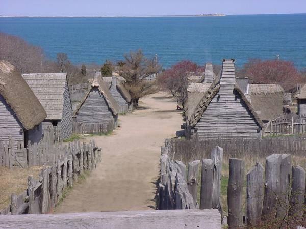 дома обшитые сайдингом первых поселенцев Америки