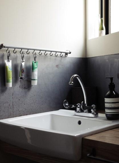 аксессуары для ванной комнаты - вешалка для тюбиков