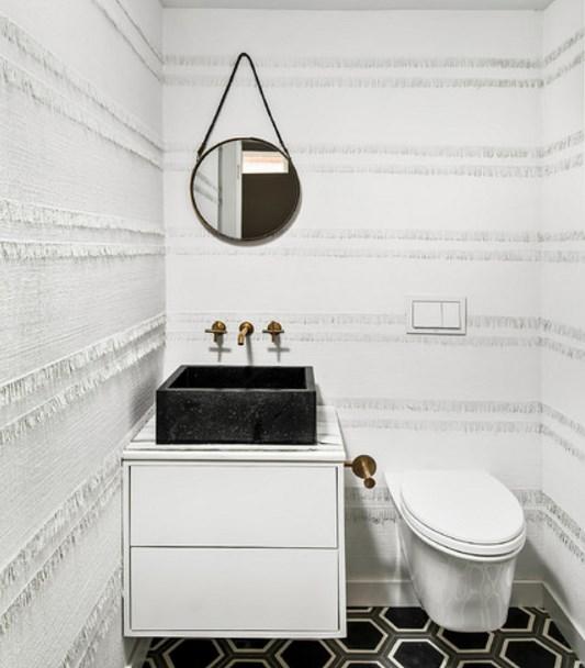 аксессуары для ванной - стильное зеркало